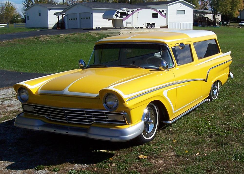 1957 FORD RANCH WAGON CUSTOM - Front 3/4 - 64063