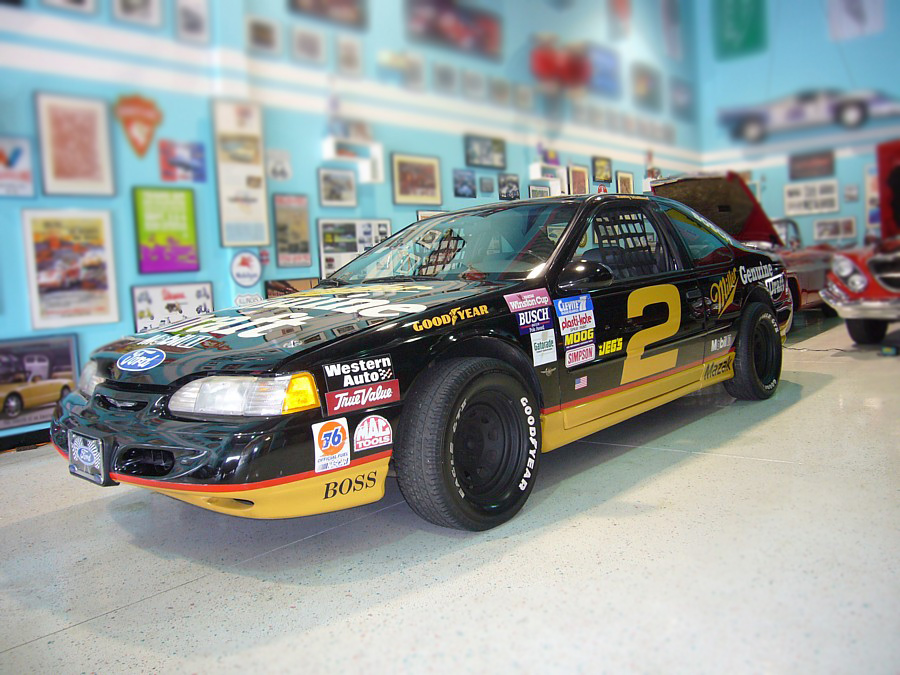 1995 FORD THUNDERBIRD NASCAR RE-CREATION - Front 3/4 - 64081