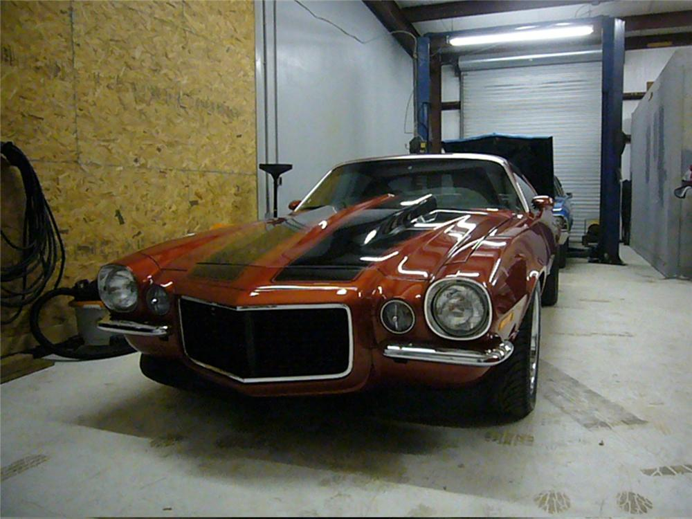 1972 CHEVROLET CAMARO SS CUSTOM COUPE - Front 3/4 - 64089
