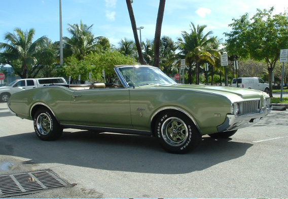 1969 OLDSMOBILE CUTLASS SUPREME CONVERTIBLE - Side Profile - 64104