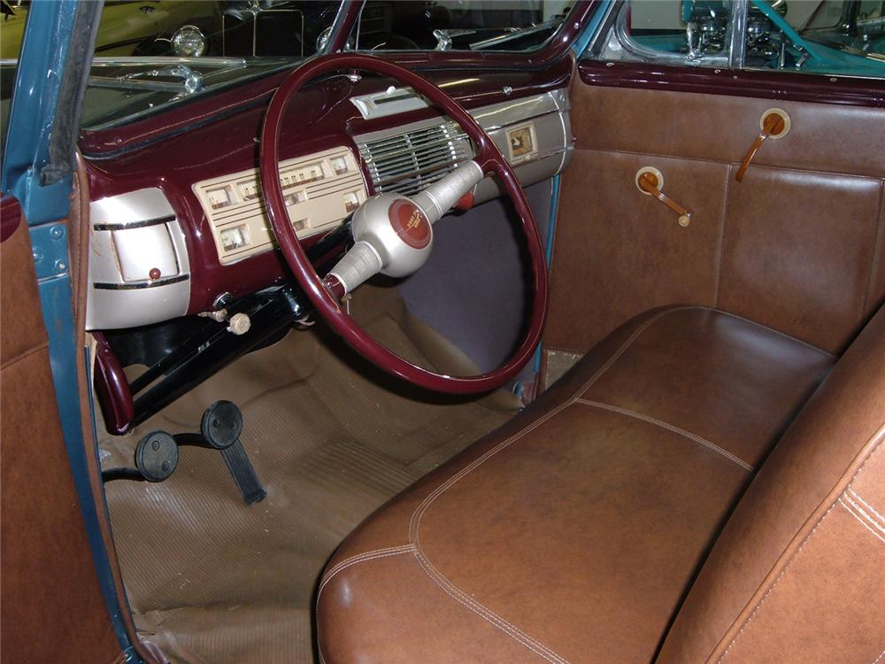 1940 FORD CONVERTIBLE - Interior - 64111