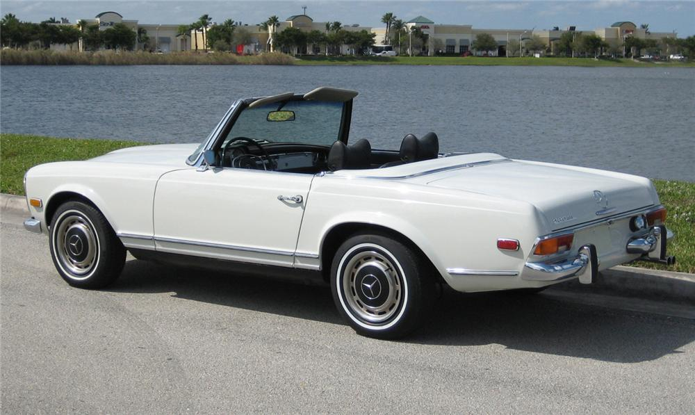 1970 MERCEDES-BENZ 280SL ROADSTER - Rear 3/4 - 64133
