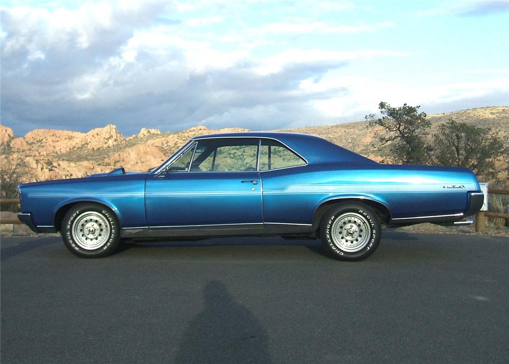 1967 PONTIAC GTO CUSTOM 2 DOOR HARDTOP - Side Profile - 64146