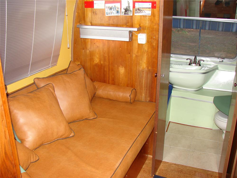 1970 AIRSTREAM OVERLAND INTERNATIONAL CUSTOM LAND YACHT - Engine - 64156