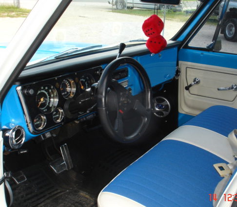 1972 CHEVROLET C-10 CUSTOM DELUXE PICKUP - Interior - 64172