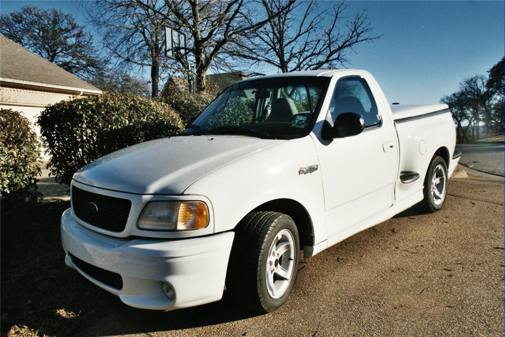 1999 FORD F-150 LIGHTNING SVT PICKUP - Front 3/4 - 64178