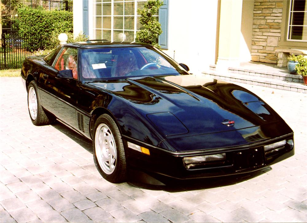 1990 CHEVROLET CORVETTE COUPE - Front 3/4 - 64204