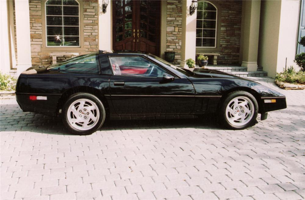 1990 CHEVROLET CORVETTE COUPE - Side Profile - 64204