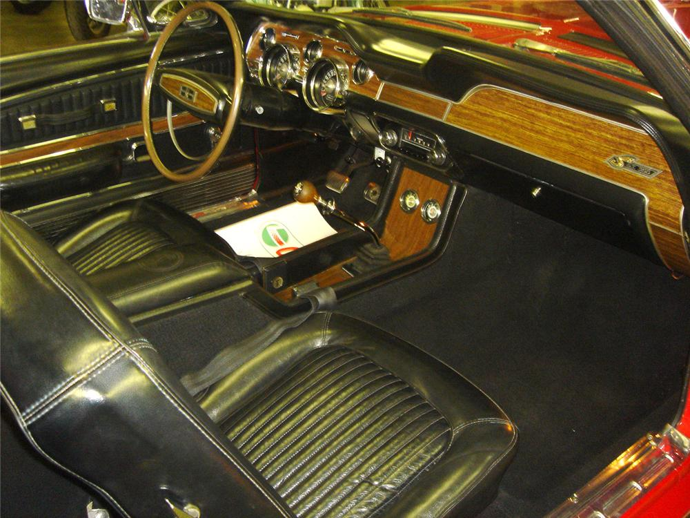 1968 SHELBY GT350 CONVERTIBLE - Interior - 64243