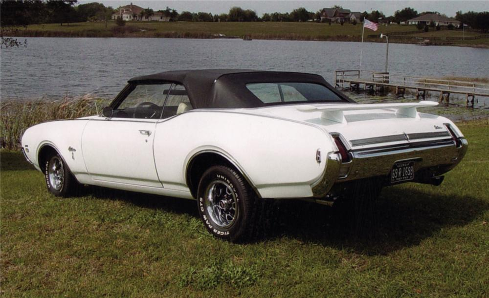 1969 OLDSMOBILE CUTLASS W31 HOLIDAY CONVERTIBLE - Rear 3/4 - 64274