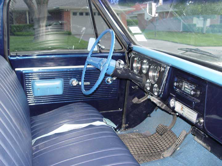 1970 CHEVROLET C-20 CUSTOM PICKUP - Interior - 64330