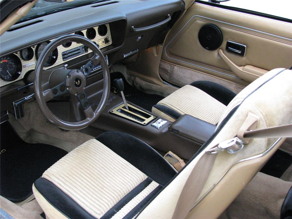 1981 PONTIAC TRANS AM TURBO T-TOP - Interior - 64339