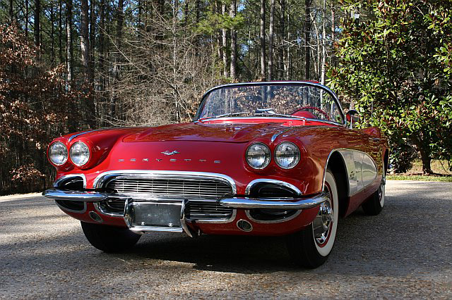 1961 CHEVROLET CORVETTE CONVERTIBLE - Front 3/4 - 64347