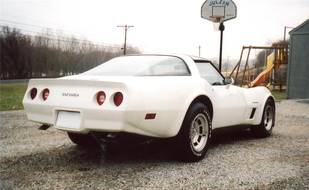 1982 CHEVROLET CORVETTE COUPE - Rear 3/4 - 64355