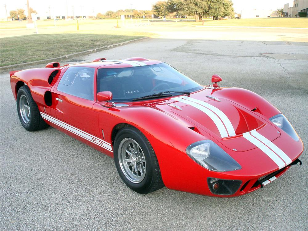 1966 SUPERFORMANCE GT40 RE-CREATION - Front 3/4 - 64360