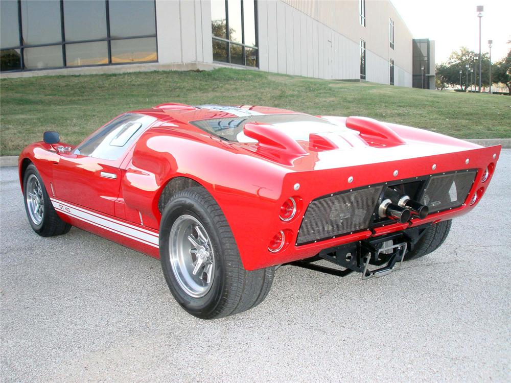1966 SUPERFORMANCE GT40 RE-CREATION - Rear 3/4 - 64360