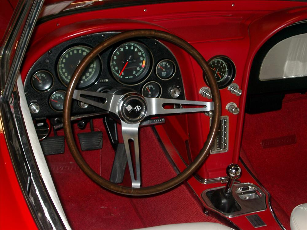 1965 CHEVROLET CORVETTE CUSTOM CONVERTIBLE - Interior - 64373