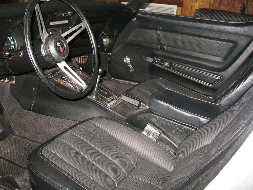 1969 CHEVROLET CORVETTE CONVERTIBLE - Interior - 64374