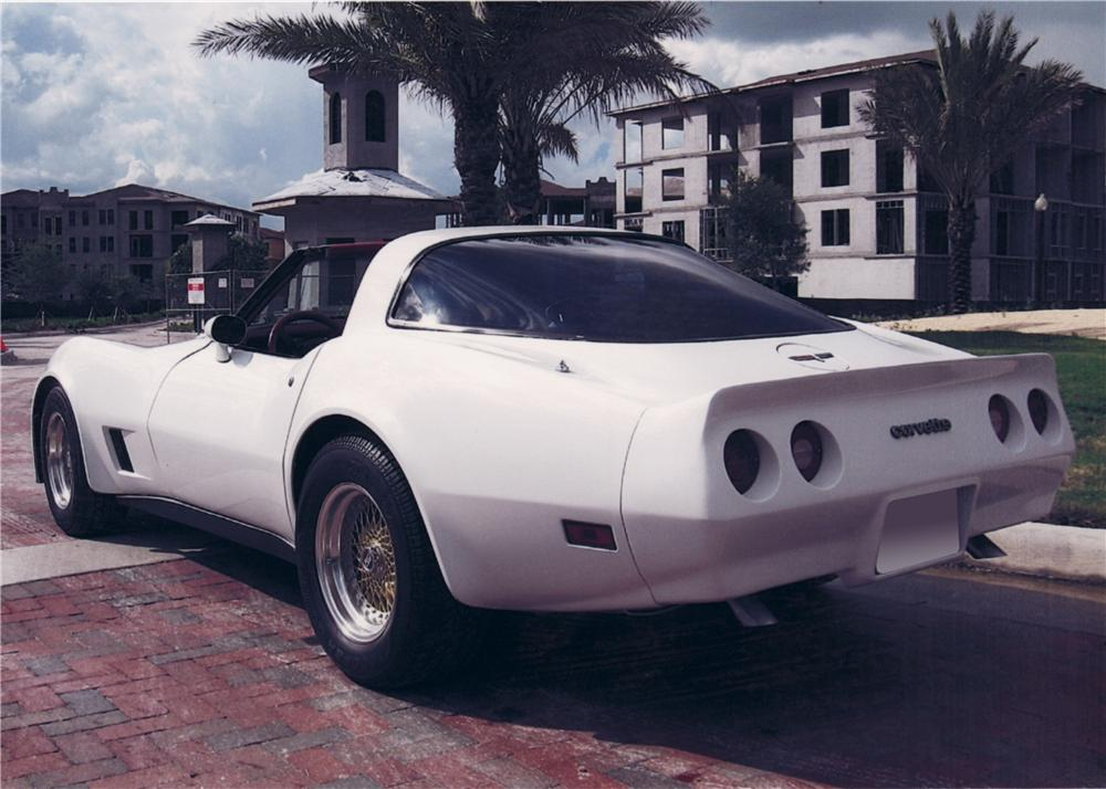 1980 CHEVROLET CORVETTE CUSTOM COUPE - Rear 3/4 - 64472