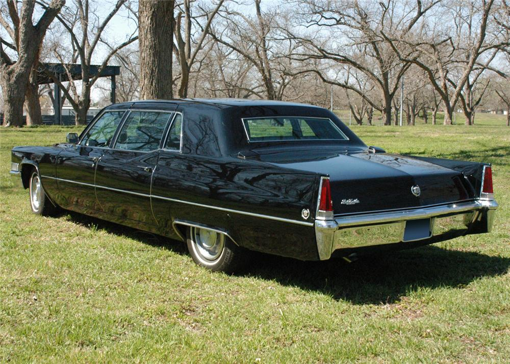 1969 CADILLAC FLEETWOOD SERIES 75 LIMOUSINE - Rear 3/4 - 64659