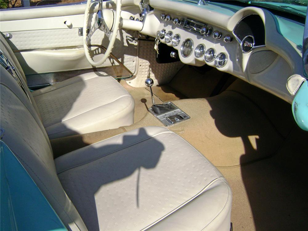 1957 CHEVROLET CORVETTE CONVERTIBLE - Interior - 64680