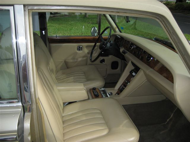 1975 ROLLS-ROYCE SILVER SHADOW 4 DOOR SEDAN - Interior - 64685