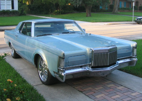 1969 LINCOLN CONTINENTAL MARK III COUPE - Front 3/4 - 64716