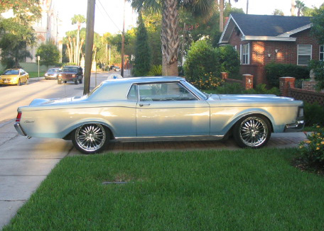 1969 LINCOLN CONTINENTAL MARK III COUPE - Side Profile - 64716