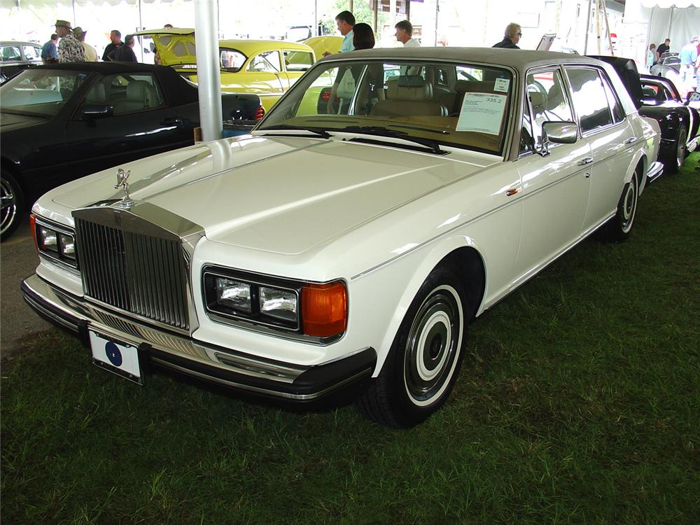 1987 ROLLS-ROYCE SILVER SPUR 4 DOOR SEDAN - Front 3/4 - 65102