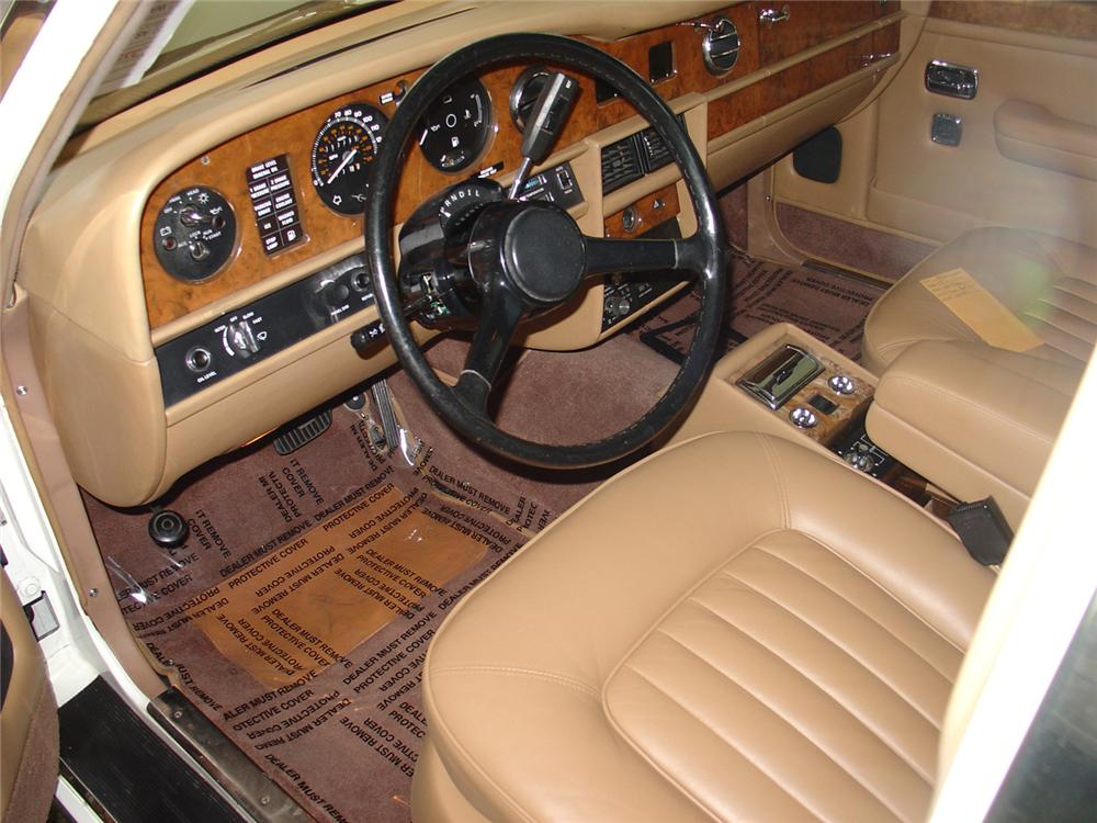 1987 ROLLS-ROYCE SILVER SPUR 4 DOOR SEDAN - Interior - 65102