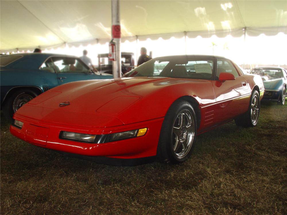 1994 CHEVROLET CORVETTE COUPE - Front 3/4 - 65243