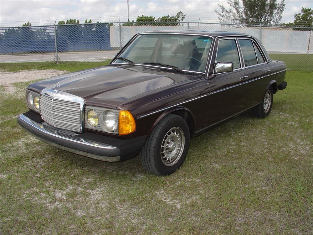 1984 mercedes benz 300d 4 door sedan 65275 for Mercedes benz 4 door