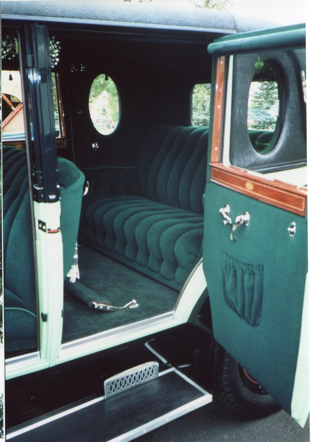 1927 BUICK 27-51 BROUGHAM SEDAN - Interior - 65742