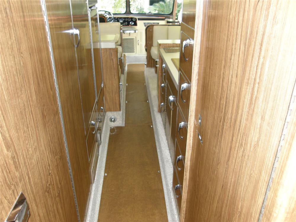 1947 FLXIBLE STARLINER CUSTOM MOTORHOME - Rear 3/4 - 65746