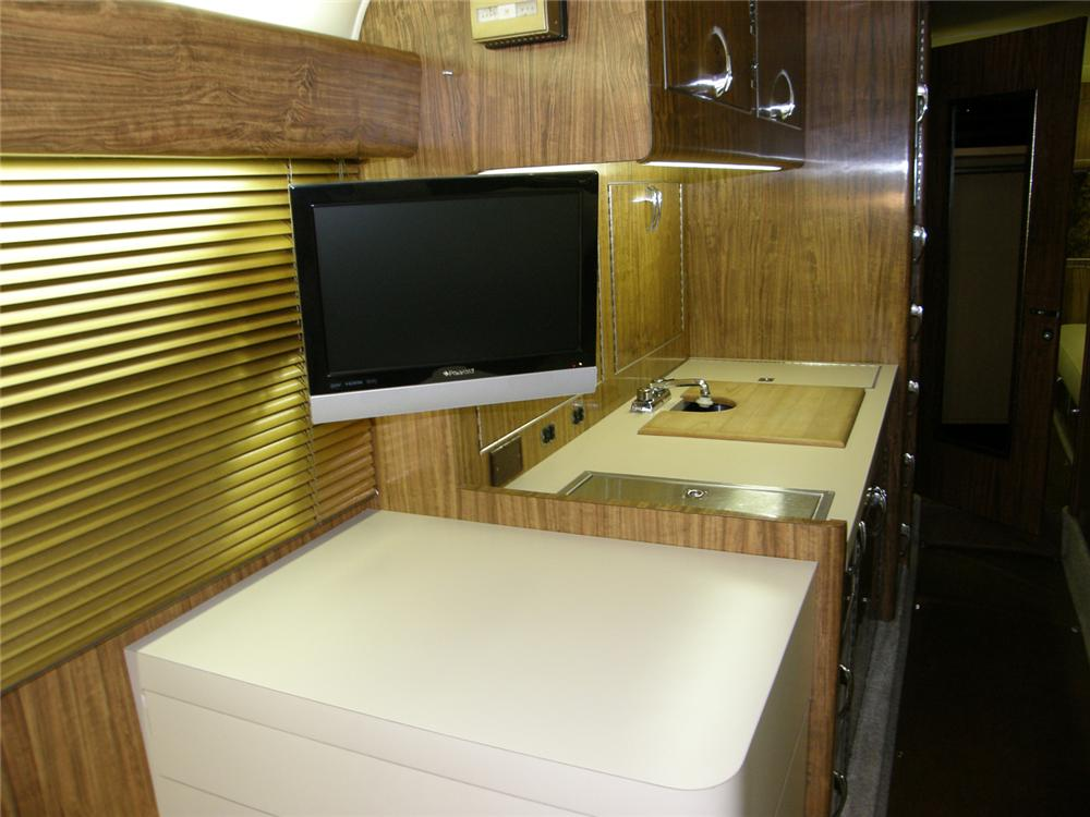 1947 FLXIBLE STARLINER CUSTOM MOTORHOME - Side Profile - 65746