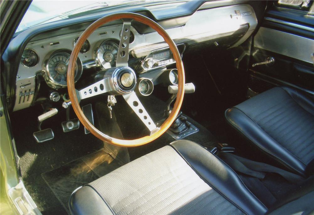 1967 SHELBY GT500 FASTBACK - Interior - 65750