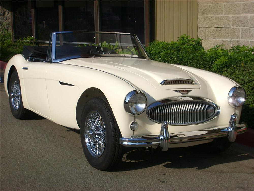 1963 AUSTIN-HEALEY 3000 MARK II BJ7 SPORTS CONVERTIBLE - Front 3/4 - 65754