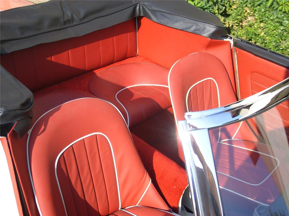 1963 AUSTIN-HEALEY 3000 MARK II BJ7 SPORTS CONVERTIBLE - Interior - 65754