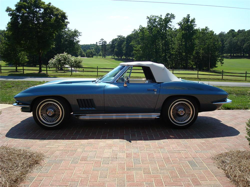 1967 CHEVROLET CORVETTE CONVERTIBLE - Side Profile - 65762