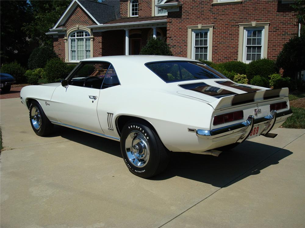 1969 CHEVROLET CAMARO Z/28 COUPE - Rear 3/4 - 65763