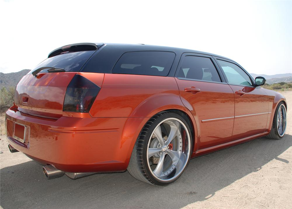 2005 DODGE MAGNUM RT FOOSE CUSTOM - Rear 3/4 - 65778