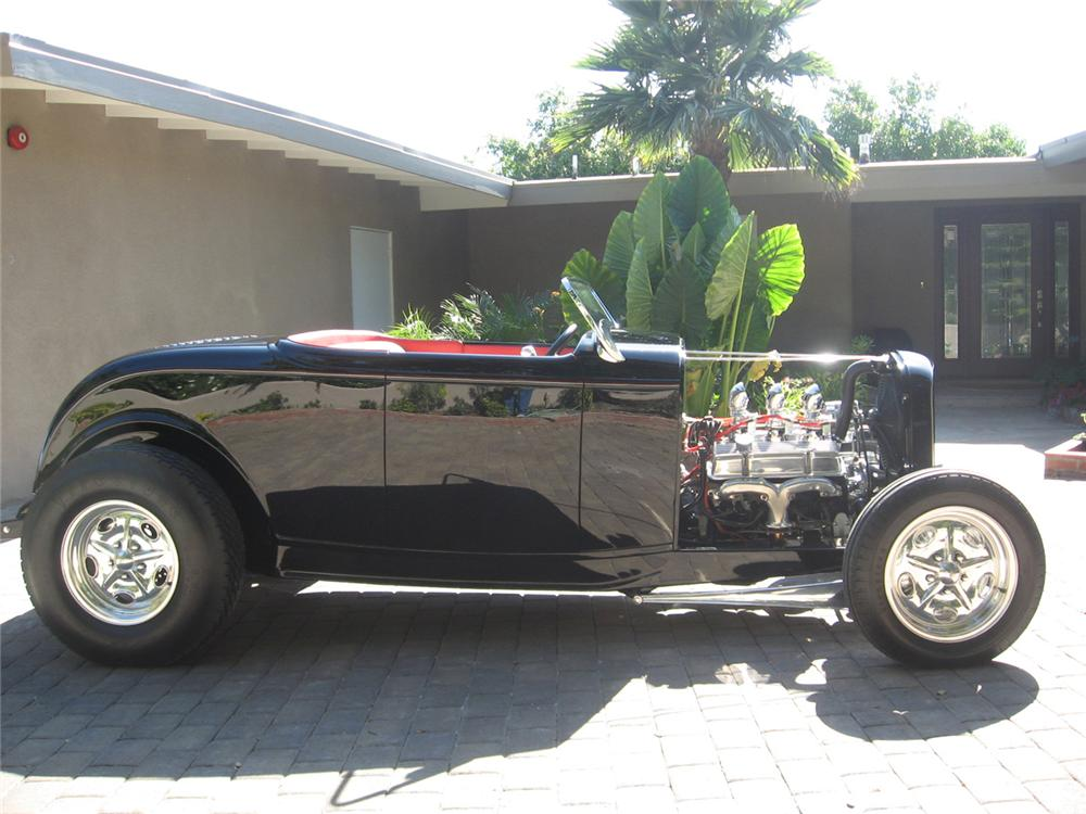 1932 FORD CUSTOM ROADSTER - Side Profile - 65789