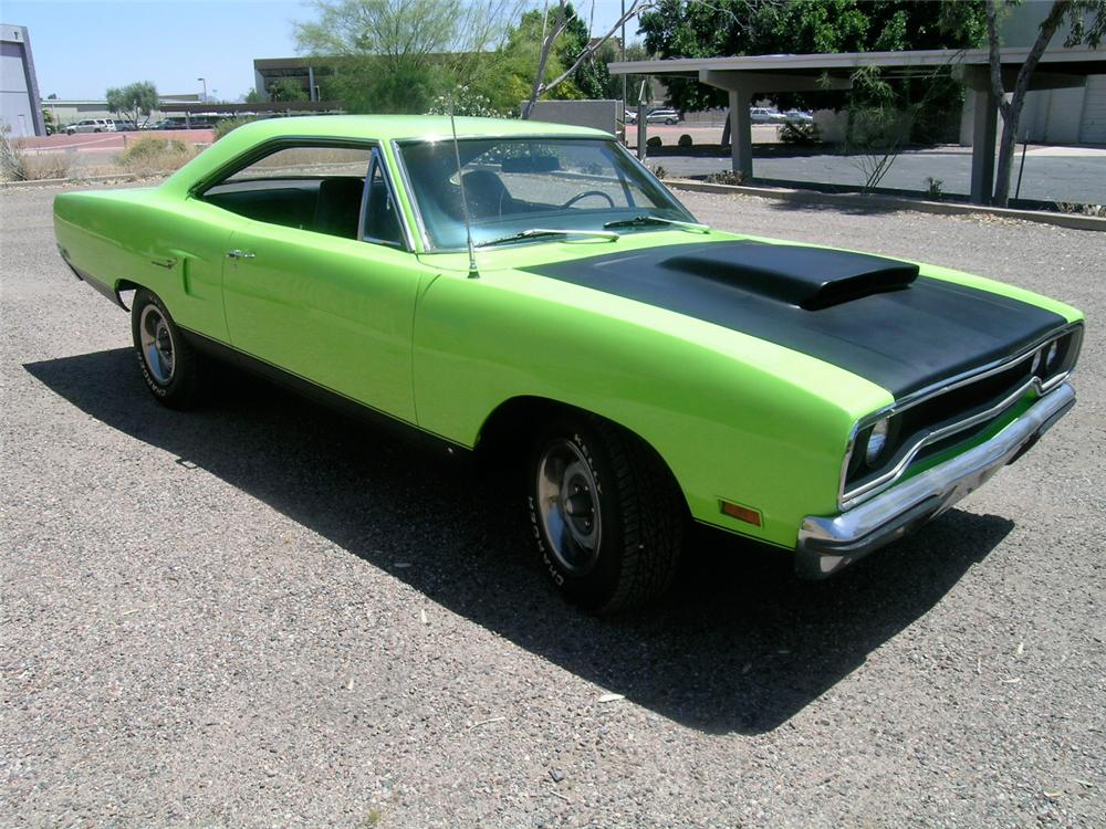 1970 PLYMOUTH ROAD RUNNER 2 DOOR HARDTOP - Front 3/4 - 65815