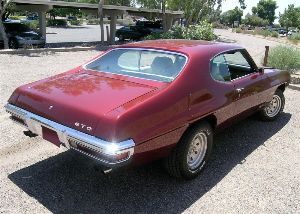 1970 PONTIAC GTO 2 DOOR HARDTOP - Rear 3/4 - 65816