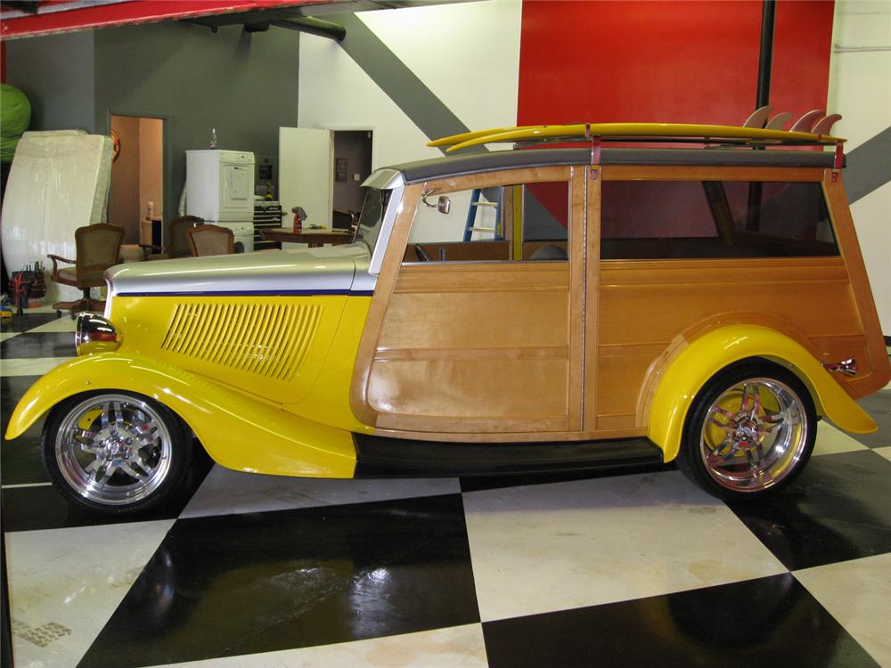 1933 FORD MODEL 40 WOODY WAGON - Side Profile - 65822
