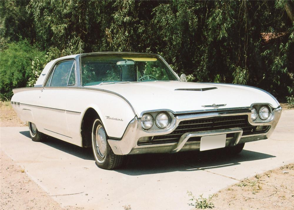1962 FORD THUNDERBIRD 2 DOOR COUPE - Front 3/4 - 65848
