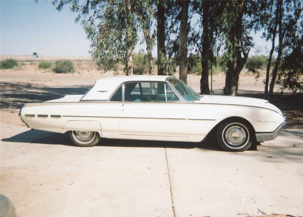 1962 FORD THUNDERBIRD 2 DOOR COUPE - Side Profile - 65848
