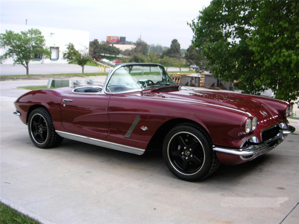 1962 CHEVROLET CORVETTE CUSTOM CONVERTIBLE - Front 3/4 - 65860