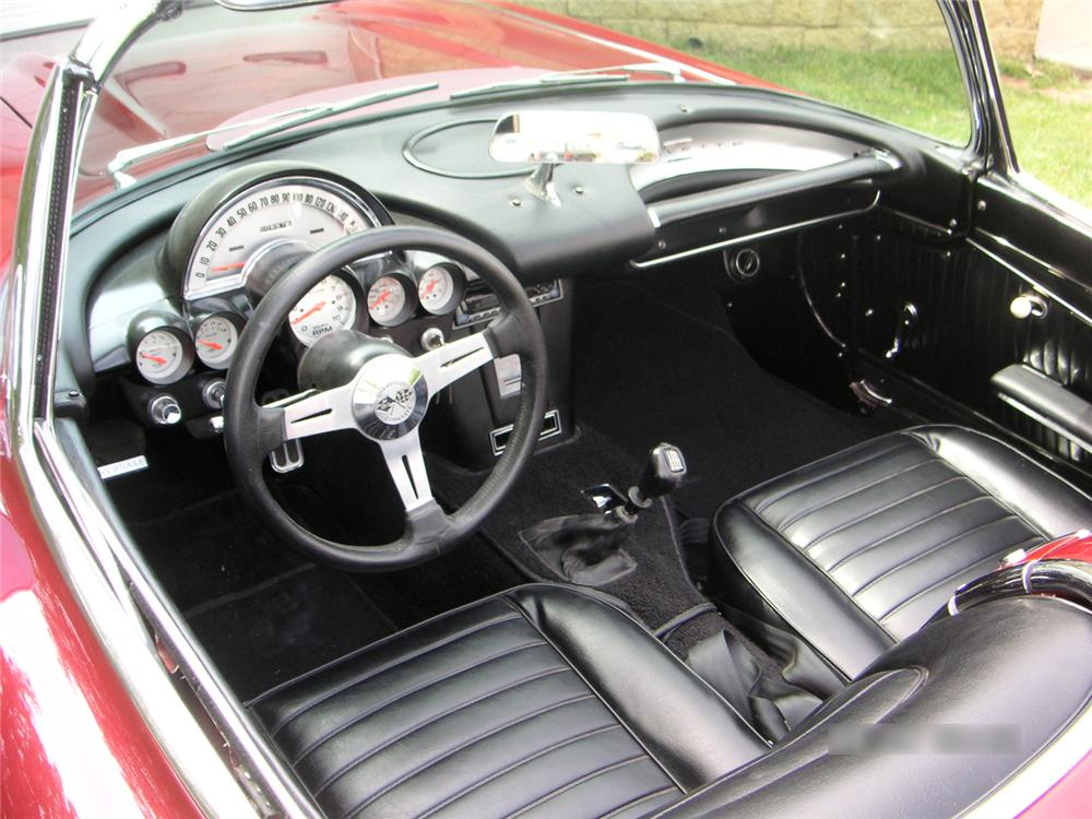 1962 CHEVROLET CORVETTE CUSTOM CONVERTIBLE - Interior - 65860