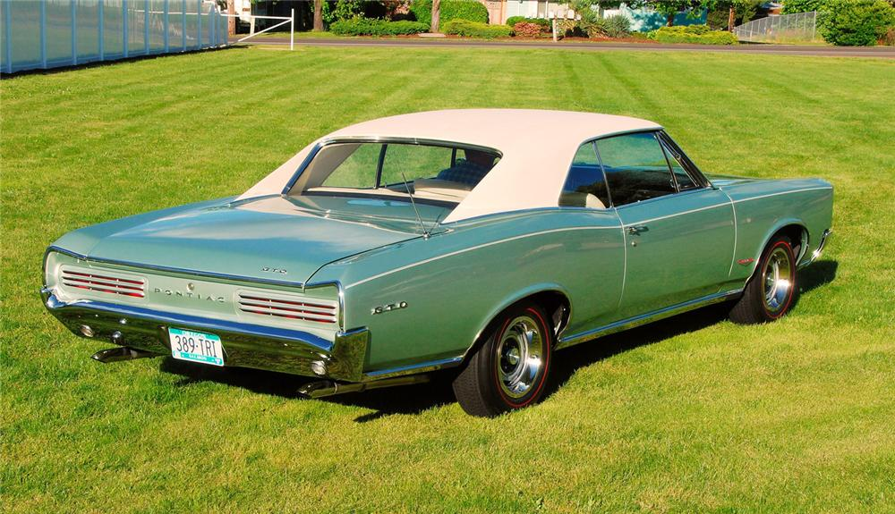 1966 PONTIAC GTO 2 DOOR HARDTOP - Rear 3/4 - 65863